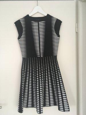 Neues kurzärmliges schwarz weiß Kleid von Zara Größs S