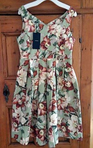 Neues Midi-Skaterkleid mit Vintage-Blumenmuster von VESPER
