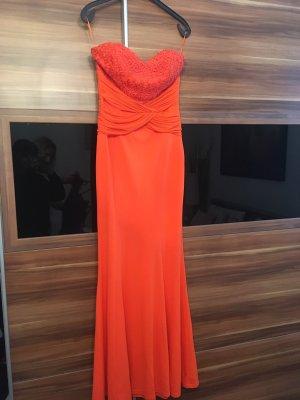 Neues orangenes Kleid