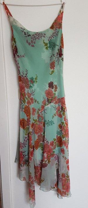 Neues perlenbesticktes Sommerkleid mit Blumenprint
