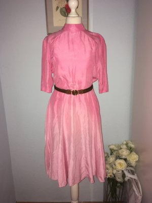 Neues reines Seidenrosa Kleid Größe 38