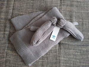 Adidas Sciarpa lavorata a maglia grigio chiaro
