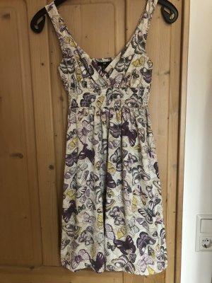 Neues sommerliches Kleid