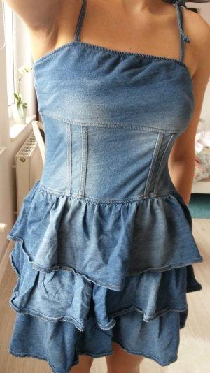 neues, süsses Jeanskleid