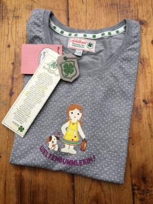 """Neues süßes Shirt """"Weltenbummlerin"""" von Adelheid mit Originaletiketten"""