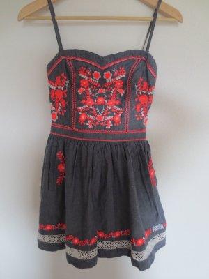 Neues Superdry Kleid, Gr. XS, grau, neongorange Stickerei