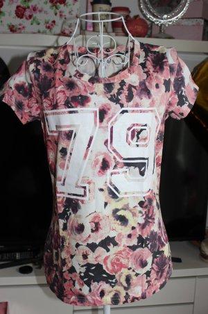 Neues T-Shirt mit Flowerprint