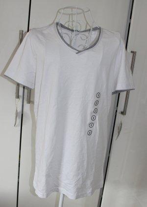 Neues T-Shirt mit V-Ausschnitt