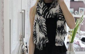 Neues Tuch mit schwarzen Mustern