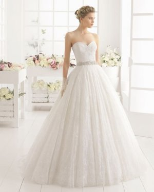 Neues und unbenutztes Hochzeitskleid Ivory von Aire Barcelona