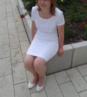 Neues weißes Hugo Boss Kleid