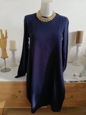 Neues weitgeschnittenes Kleid
