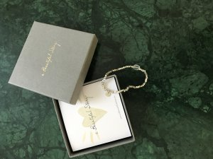Neues wunderschönes Armband mit Verpackung der Marke abeautifulstory