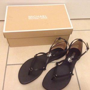 Neupreis 124 €! Fallen aus wie eine 37. Luxus: Neue, orginalverpackte Michael Kors Sandalen mit Logo