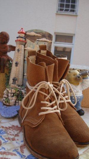 NEUPREIS 129,99€ ABSOLUT NEUWERTIG 1x probegetragen FESTIVAL-STYLE DOCKERS SHOES BOOTS Schnür-Stiefeletten Desert-Boots Echtleder BOHO BOHEME FESTIVAL ANTIK-STYLE USED-STYLE VINTAGE-STYLE AB WERK SO GEWOLLT 36/36,5/37 gekennzeichnet mit 37 Preisvorschlag?