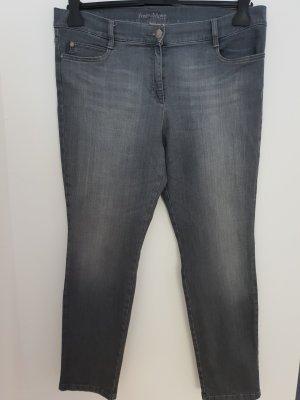 Neuwertig Brax free to Move Jeans Damen Gr 46 XXXL L34