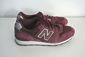 New Balance Lace-Up Sneaker bordeaux