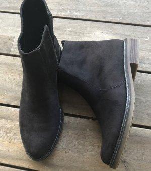 NEUWERTIG Stiefel Stiefeletten Reißverschluss kleiner Absatz Gr. 40 Graceland Glitzer Rand