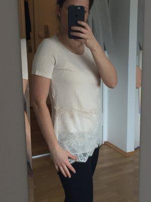 Neuwertig! Süßes nudefarbenes T-Shirt Shirt mit Spitzenapplikation