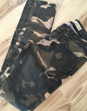 NEUwertige Amisu Skinny Low Waist Camouflage Hose Slim Fit Jeans XS 34