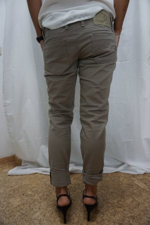 neuwertige Chino, Marke Please, Jeans, taupe, Gr. M, Sommerhose, NP 69,90€