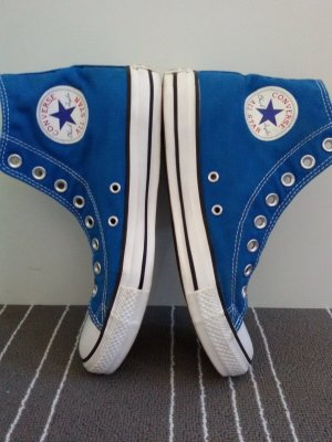 neuwertige Converse Chuck Hi