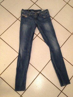 Neuwertige Diesel Jeans für den Sommer