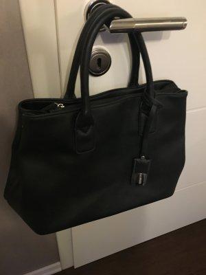 Neuwertige Hallhuber Handtasche schwarz