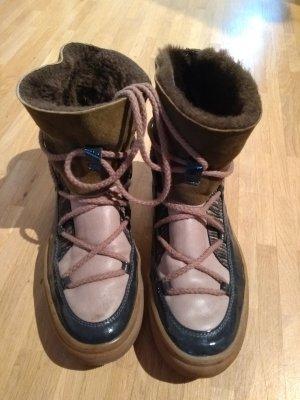 neuwertige IKKII Boots