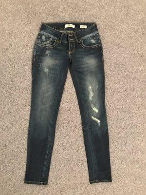 Neuwertige Jeans dunkelblau