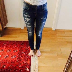 Neuwertige Jeans im Boyfriendlook