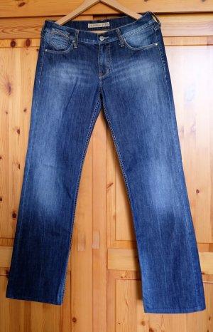 Neuwertige Jeans Mustang Gr.30/34 Modell Girl´s Oregon 3580