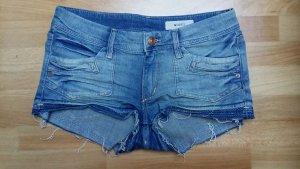 neuwertige Jeans-Shorts/ Hotpans/ kurze Hose/ Gr. 36 / von H&M & Shorts