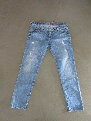 Neuwertige Jeanshose der Marke Guess, Gr. 30