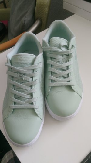 neuwertige Lacoste Sneakers