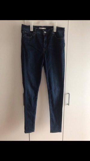 Neuwertige Levi's Shaping Jeans Gr. 42