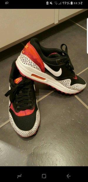 Neuwertige Nike air max