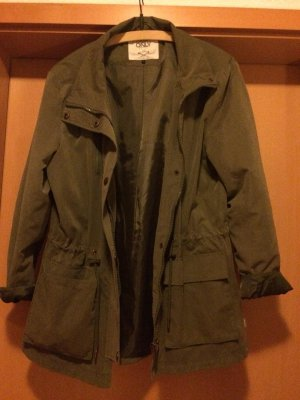 Neuwertige Only Jacke zu verkaufen