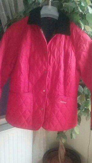Neuwertige, originale Barbour Jacke in rot