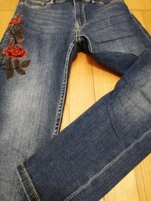 Neuwertige Pimkie Jean mit Blumendruck, Größe XS/34