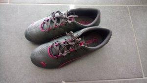 Neuwertige Puma Sneakers