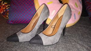 Atmosphere Pointed Toe Pumps black-grey