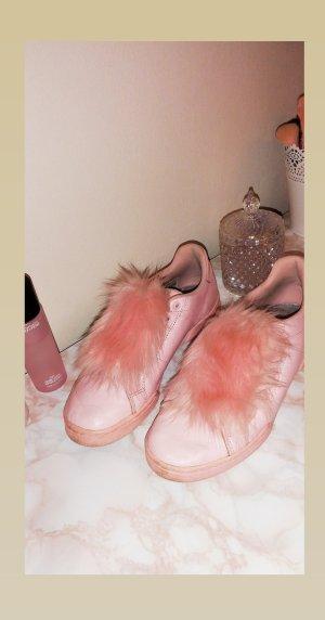 Neuwertige Reebok Schuhe in Rosa mit Fell, Größe 39