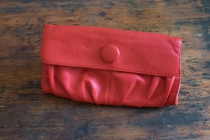 Neuwertige rote Clutch von H&M