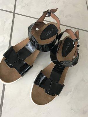 Neuwertige Sandalen