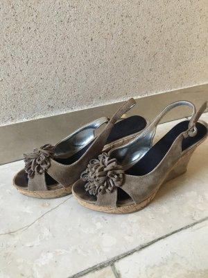 ** Neuwertige Sandaletten **