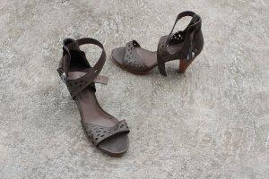 Neuwertige Sandaletten Sandalen Größe 37 Braun Schick Hohe Damen Schuhe Absatz
