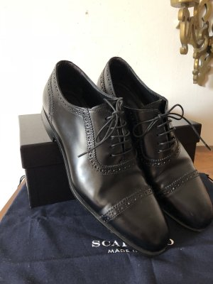 Scarosso Wingtip Shoes black