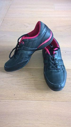 Neuwertige schwarz-pinke Sportschuhe