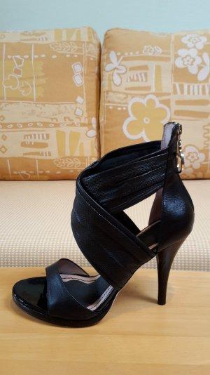 Neuwertige schwarze MISS SIXTY Sandalen Modell 'Vera''